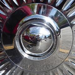 Wheaton, IL, Cantigny Park, Classic Car Show, Billet Specialties Wheel (Mary Warren (7.3+ Million Views)) Tags: wheatonil cantignypark classiccars wheel hubcap chrome round circle reflection