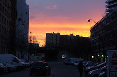 coucher de soleil dans le sud de Paris (AoneToad (Aurelynx)) Tags: street pink blue sunset orange sun sunlight paris france rose night de soleil pentax coucher bleu versailles porte rue k5 parcdesexpositions balard lecourbe 1855wr