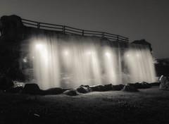Waterfall (Gonz Sanz) Tags: madrid longexposure blackandwhite blancoynegro night noche waterfall bn cascada largaexposicin