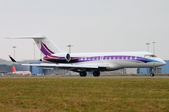 OE-INC LTN 20/02/13 (757man) Tags: canon eos airport aviation jet landing business arrival biz tamron luton 500d aicraft ltn aerspace