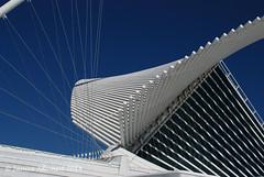 Brise Soleil (Milwaukee Art Museum) (Through My Eyes by Janice Adomeit) Tags: urban building architecture modern design geometry milwaukeeartmuseum milwaukee symmetrical geometrical mam modernarchitecture brisesoleil jma calatravasdesign
