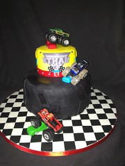 "Monster Truck tire cake • <a style=""font-size:0.8em;"" href=""http://www.flickr.com/photos/60584691@N02/8546752071/"" target=""_blank"">View on Flickr</a>"