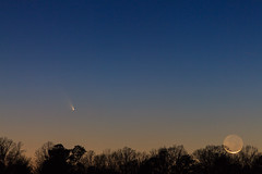 PanStarrs C/2011 L4 and Crescent Moon-2 (Scott Thompson - inaap.com) Tags: moon crescent astronomy pan comet l4 starrs panstarrs c2011 cometpanstarrsc2011l4