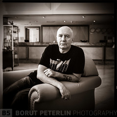 Irvine Welsh photo_borutpeterlin.com 28_002-05-obd (Borut Peterlin) Tags: portrait 6x6 mediumformat artist writer mamiyac330 irvinewelsh creativeportrait