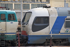 Faccia da Archimede (Maurizio Zanella on/off (on vacation!!!!)) Tags: italia trains genova railways fs trenitalia treni ferrovie rfi sampierdarenasmistamento e656476 trenodiagnosticoarchimede carrozzapilotazarchimede