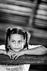 Menina (MURUCUTU) Tags: school brazil portrait bw girl brasil photography brasilien joopessoa fotografia menina paraiba brsil paraba casapequenodavi murucutu