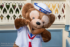 DLP Feb 2013 - Meeting Duffy (PeterPanFan) Tags: travel winter vacation france canon mainstreet europe character disney duffy february feb mainst townsquare disneylandparis dlp mainstreetusa disneylandresortparis disneycharacters disneycharacter marnelavallée mainstusa 2013 parcdisneyland disneyparks themeparkcharacters canoneos5dmarkiii duffythedisneybear disneylandparispark