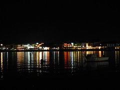 "Dahab de noche • <a style=""font-size:0.8em;"" href=""http://www.flickr.com/photos/92957341@N07/8590592621/"" target=""_blank"">View on Flickr</a>"