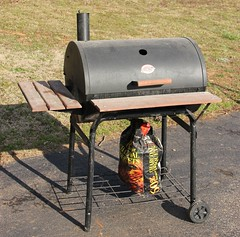 5025. (2) Barrel Grills, Chargrillers - Image 1 of 2