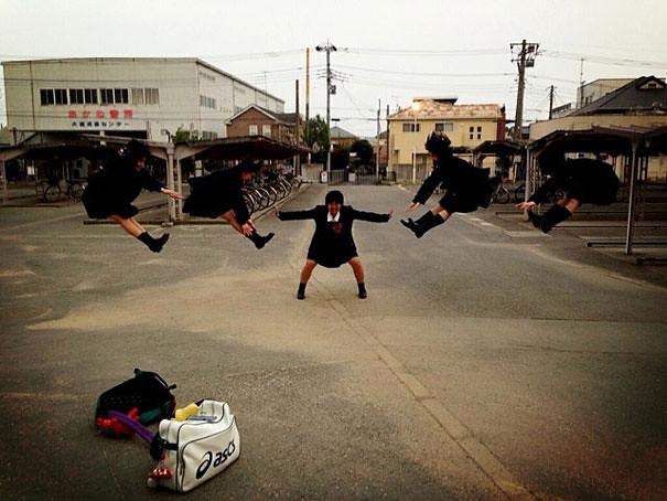makankosappo-japanese-schoolgirls-dbz-energy-attacks-2