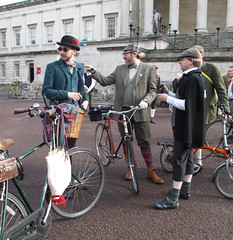 Tweed Run 2013 (10)r (Funny Cyclist) Tags: boy woman man london girl bike bicycle cycling ride run cycle april tweed lincolnsinn londonist 2013 ridingpretty tweedrun2013photostweedrun ltmcyclingmay