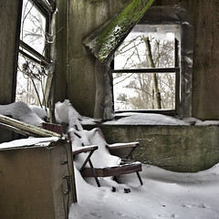 Chillin' On The Front Porch (red_dotdesign) Tags: winter house abandoned decay farm abandonment