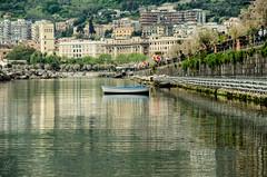 Boat - Salerno Lungomare (kamilmolendys) Tags: sea italy boat nikon lungomare salerno nikon5100