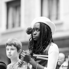 Almas extraas (eibar010) Tags: street blackandwhite blanco monochrome nikon y negro 85mm streetphoto eibar d7000