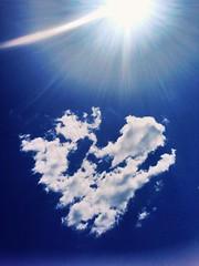#sun #cloud #heart (darinaaprelskaya) Tags: sun cloud heart
