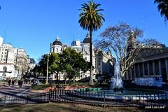 A las 9 AM en Plaza de Mayo (pepelara56) Tags: buenosaires plaza maana argentina arquitectura ciudad