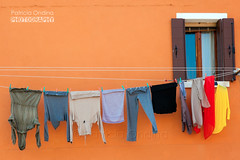 Need of colours ? Italy ! Besoin de couleurs ? L'Italie ! (Patricia Ondina) Tags: italy italie italia burano orange window fentre fenster clotheline cordelinge wscheleine lessive