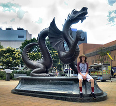 Chris with the Drexel Dragon (ltimothy on/off) Tags: dragon metal sculpture philadelphia drexelinstitutefoart mascot dragn drago mascota escultura