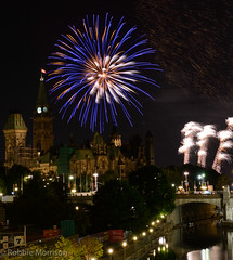 Fireworks Sound of Light Finale 2016 -313.jpg (Robbie's Photo Art) Tags: parliament hill rideau canal light painting 2016 competition fireworks ottawa parliamenthill rideaucanal lightpainting