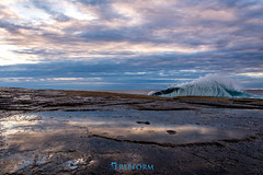 Terrigal (TMCiantar) Tags: sunrise clouds firstlight nikon mynikonlife dslr photography pretty nature water sun light landscape new waves