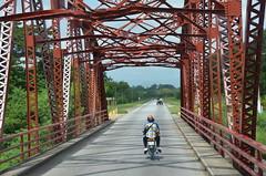 De/From Camagüey a/to Trinidad, Cuba (heraldeixample) Tags: heraldeixample cuba gent people gente pueblo popular camagüey trinidad riu río river pont puente bridge albertdelahoz republicadecuba