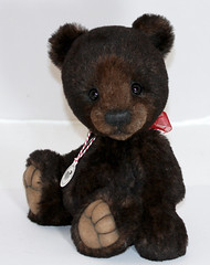 Sebastian - March 6, 2013 (thepeachpeddler) Tags: bear black wool alpaca glass nose eyes artist with sebastian bears peach merino cotton mohair handcrafted christie pearl handsewn 12 paws peddler embroidered perle steiff sculpted blend sealed the imported backing beeswax kotz schulte fusible handshaded tallchriskthepeachpeddlercustom