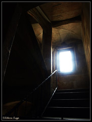 The light (DameBoudicca) Tags: castle window stairs ventana prague fenster prag praha praga tschechien praskhrad treppe finestra czechrepublic castello chteau fentre castillo hrad burg rpubliquetchque hradany praguecastle czechia fnster repblicacheca trappa chequia repubblicaceca pragerburg esko eskrepublika tjeckien castillodepraga tchquie cechia pragborgen castellodipraga chteaudeprague