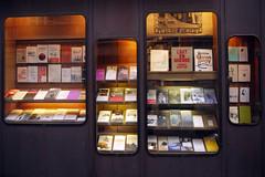Librairie de l'Escalier — rue Monsieur-le-Prince, Paris, 15 mars 2013 (Stéphane Bily) Tags: books bookstore libros bookshop escalier livres vitrine librairie odéon devanture ruemonsieurleprince stéphanebily