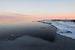 Winter glow (- David Olsson -) Tags: winter sunset lake snow seascape cold ice nature landscape march frozen nikon quiet sundown sweden outdoor relaxing calm handheld serene fx tranquil vnern d800 hammar vrmland wintry 1635 1635mm lakescape 2013 flickroid takene davidolsson hammarsydspets 1635vr
