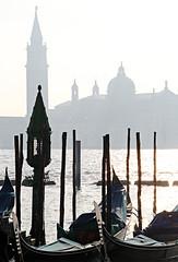 il mio posto del cuore (Valina*Snowflake) Tags: venice campanile gondola laguna venezia controluce sangiorgio isola gondole foschia rivadeglischiavoni luoghidelcuore