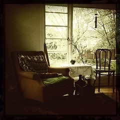 """#quiet #studio #chairs • <a style=""""font-size:0.8em;"""" href=""""https://www.flickr.com/photos/61640076@N04/8620381353/"""" target=""""_blank"""">View on Flickr</a>"""