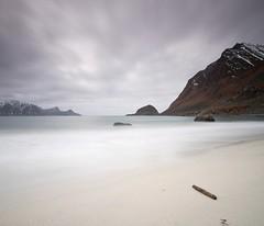 LOFOTEN XVI (tpealver - www.tomaspenalver.es) Tags: sea seascape water noruega lofoten moskenes hoyand400 tokina1116