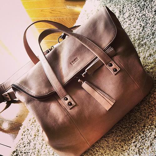 かあちゃんからのお誕生日プレゼント資金を使い込んで買ったバッグが届いた。