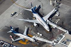 Big Aeromexico, Little Aeromexico (Flightline Aviation Media) Tags: losangeles international airport lax klax flightlineaviationmedia jetliner bruceleibowitz aviation aircraft airplane jet stockphoto canon50d boeing aeromexico 737 737800 7378q8 787 n783am n858am 3877327