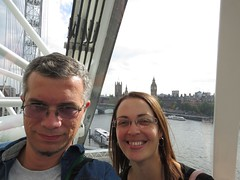 _2014_06_20_18_03_45 (Ricardo Jurczyk Pinheiro) Tags: bigben inglaterra londoneye londres mariacludia parlamento ricardo riotmisa westminsterbridge cabine rio rodagigante selfie mariacludia riotmisa