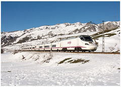 Golpejar  20-02-16 (P.Soares) Tags: 130 renfe neve passageiros tren train trains transportesxxi terminalintermodal linha automotora automotoras portugalferrovirio lusocarris