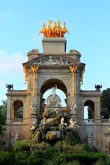 Belle sorprese a Barcellona... (Alice Betta) Tags: parcdelaciutadela parc barcelona barcellona barca park summer 2k15 september gold oro monuments hola surprise canon 1855 holiday bluesky font fontane water spain spagna catalunia catalogna espanya italianinspain parchi bellesorprese