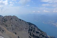 vista verso sud (Tabboz) Tags: montagna garda sentiero vetta cima trekking escursione panorama rifugio salita mugaia valle mugo lago roccia cielo nuvole