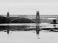 Pont Britannia / Britannia Bridge (dafyddelfryn) Tags: menai menaibridge pontmenai britanniabridge vivitar80200mmf45