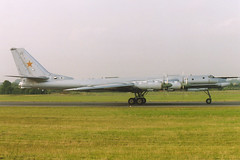 Tupolev Tu-95MS Bear-H (nickchalloner) Tags: bear tattoo force air royal h international 94 af 1994 russian heavy bomber raf squadron fairford tupolev 182 sqn iat tu95 bearh sqdn 182nd tu95ms
