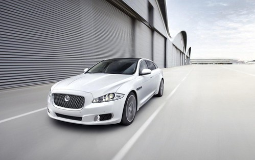 2013-Jaguar-XJ-Ultimate-06