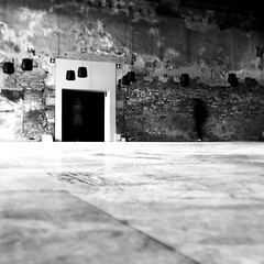 How to find a way out (Arianna_M(busy)) Tags: venice visions stranger ghosts biennale venezia architettura 2012 visioni fantasmi sowhatdoicare sonyalphadslr350 youvanishtoday youreastranger notthefirsttimeihear allthelies