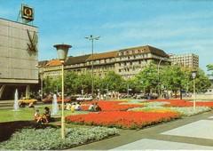 FRIEDRICHSTRASSE / U.d.L. (streamer020nl) Tags: berlin unterdenlinden ddr 1980 gdr friedrichstrasse eastberlin reichenbach ostberlin mohr bildundheimat