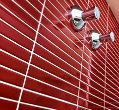 Red&Lines (Jordi Alsina S.L.) Tags: red ceramica lines wall bathroom pared rojo perspective vermell bao paret bany rajola juntes jordialsinasl
