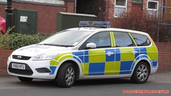 Staffordshire police-Ford focus estate-incident response vehicle-VX60 KFU-251 (policeambulancefir