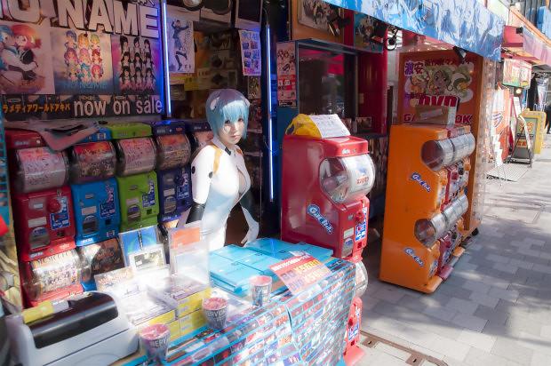 新世紀福音戰士 新劇場版:Q 的DVD 綾波銷售員?!!