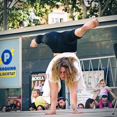 Trapezi 2016 - Julie Bergez - BorderLine (German SC) Tags: actuaci atravsdelvisor carrer catalonia catalunya circ circus festival germansc performance primavera reus sonyalphadslta65 spring street tamron55200 trapezi urban urbana