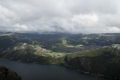 Aussicht vom Preikestolen (snej1972) Tags: urlaub holiday vacation vaterundsohn oslo norge norway norwegen fjord fjordnorwegen stavanger preikestolen monument rock bergen