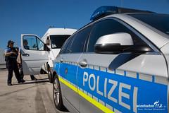 Polizei-Grokontrolle A5 Weiterstadt 23.08.16 (Wiesbaden112.de) Tags: a5 kontrolle polizei polizeikontrolle verkehrskontrolle weiterstadt zoll
