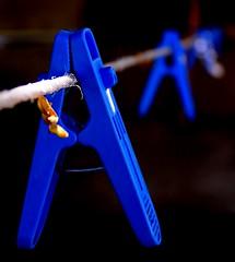 A____A___A__A (tra le mie foto migliori) Tags: migliori best paolojeranphotographer astratto abstract mollette filo clips